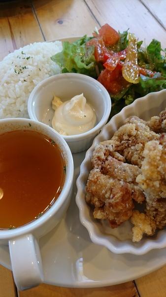 鶏の唐揚げランチプレート.JPG
